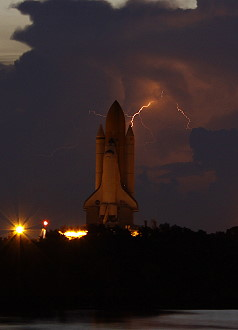 STS-128 rollout